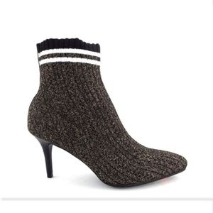 New STUART WEITZMAN Metallic Knit Sock Booties 8.5